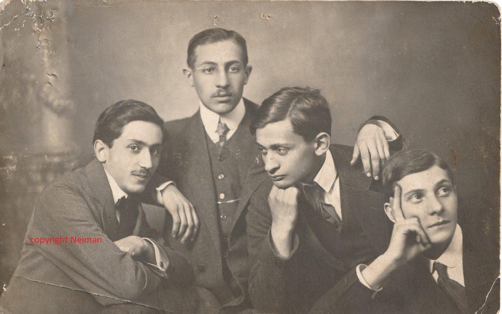 Ezechiel Neiman avec ses amis écrivains et peintre dont Jankel Adler